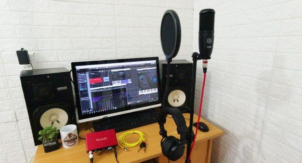 Giới thiệu combo thu âm hát live chuẩn phòng thu akg p120 + focusrite solo gen 3
